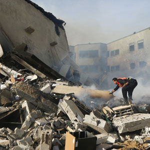 reu gaza 300 16nov12 INSIGHT: Israels Conflict with Hamas Escalates