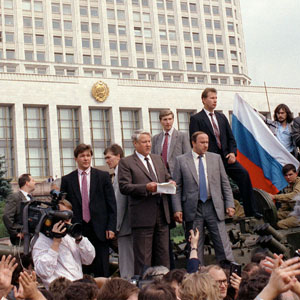 Russian SFSR President Boris Yeltsin (C), standing atop a tank, addresses a rally defying a coup attempt by Soviet hardliners, in Moscow, August 19, 1991. (Reuters)