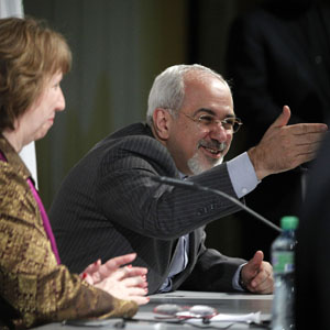 Iranian Foreign Minister Mohammad Javad Zarif (R) speaks next to European Union foreign policy chief Catherine Ashton during a news conference at the end of Iranian nuclear talks in Geneva November 10, 2013. (Reuters)